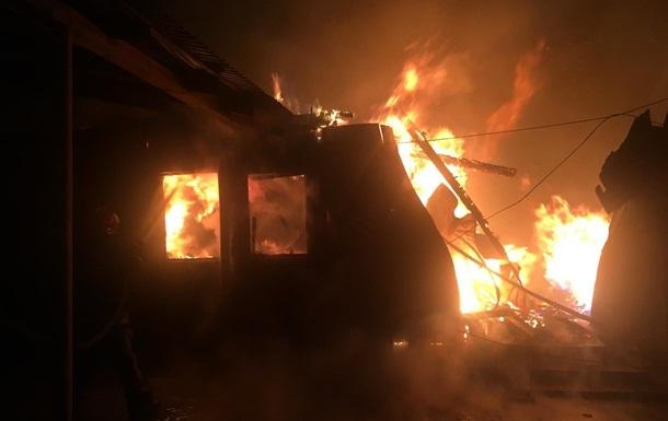 На двух базах отдыха в Затоке произошел пожар