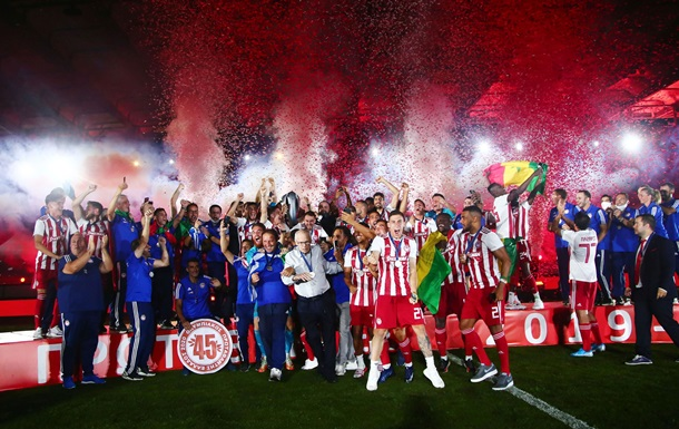 Олимпиакос выиграл чемпионат Греции сезона-2019/20