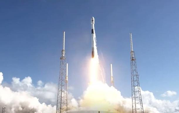 SpaceX вивела на орбіту військовий супутник