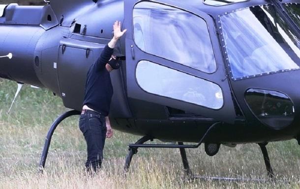 Том Круз прилетел на обед на частном вертолете: фото
