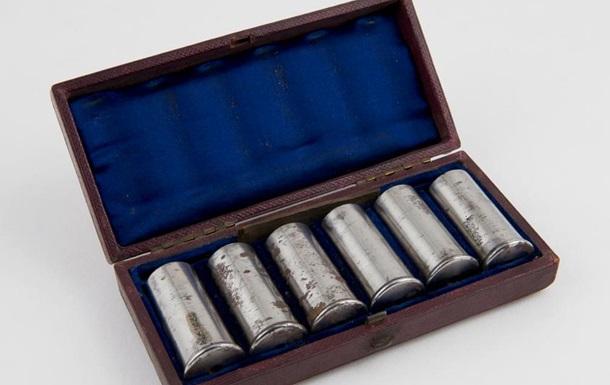Музей в Лондоне просит опознать странные предметы: фото