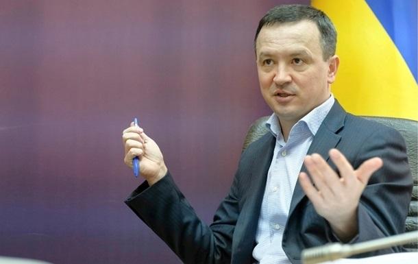 Министр объяснил падение экономики ростом гривны