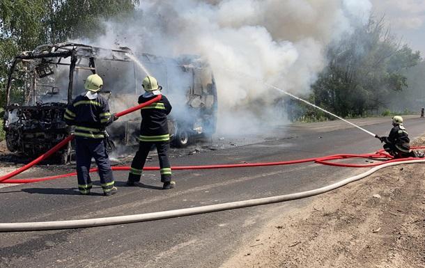На Черкащині загорівся автобус з пасажирами