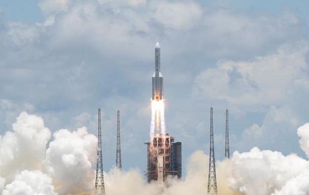 Китай запустив ракету для першої місії вивчення Марсу