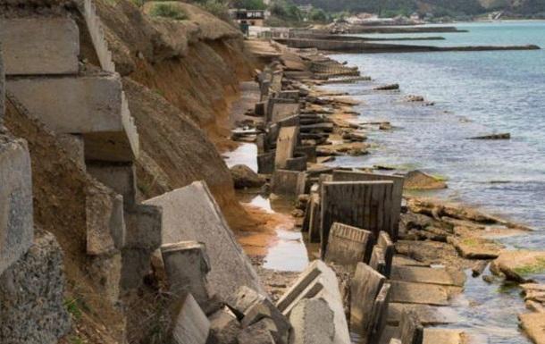 Несезон в Крыму: оккупанты признали ужасное состояние пляжей