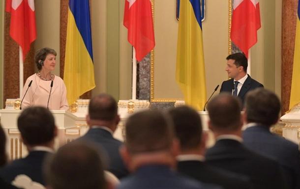 Зеленский и президент Швейцарии поехали на Донбасс