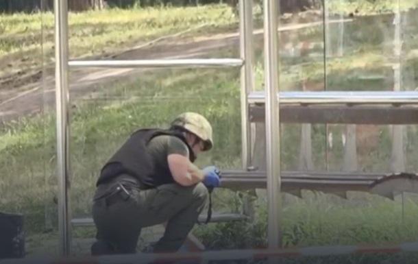 Поліція перевірила підозрілий пакет і  заміноване  авто в Києві
