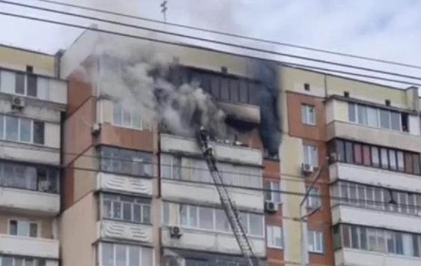 Пожар на Троещине в Киеве