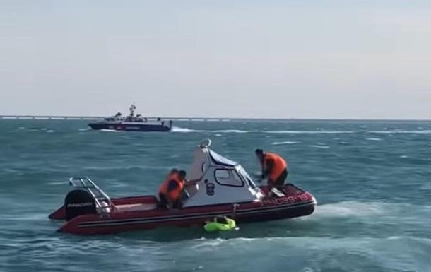 У Керченській протоці затонула бронемашина