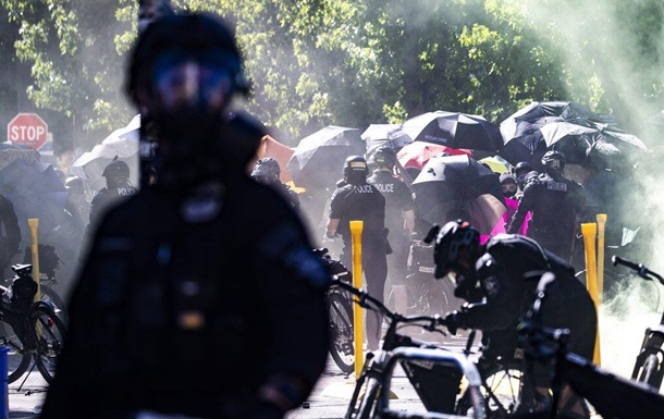 Полиция Сиэтла заявила о бунте в городе