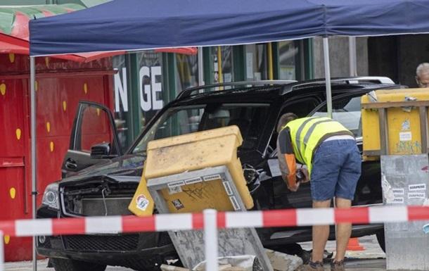 В Берлине автомобиль протаранил группу пешеходов