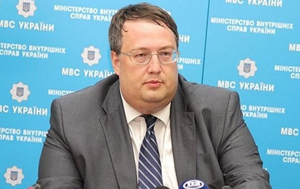 У МВС пояснили, чому не задіяли снайперів у Луцьку