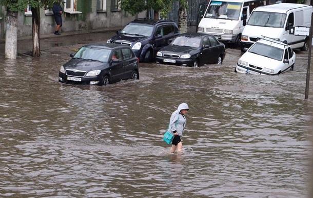 Бердянск затопило, авто  плавают  по улицам