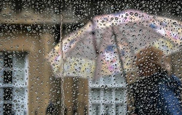 Погода на неделю: западные регионы накроют дожди и грозы