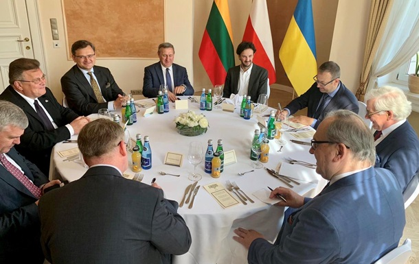 Украина, Польша и Литва проводят переговоры