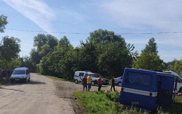 На Львовщине автобус снесло в кювет, семеро пострадавших