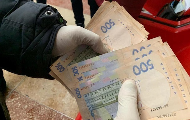 На Львовщине глава автодора попался на взятке 17 тыс. гривен