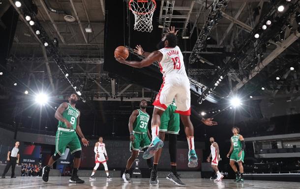 НБА: Селтикс проиграли Хьюстону, победы Оклахомы и Мемфиса