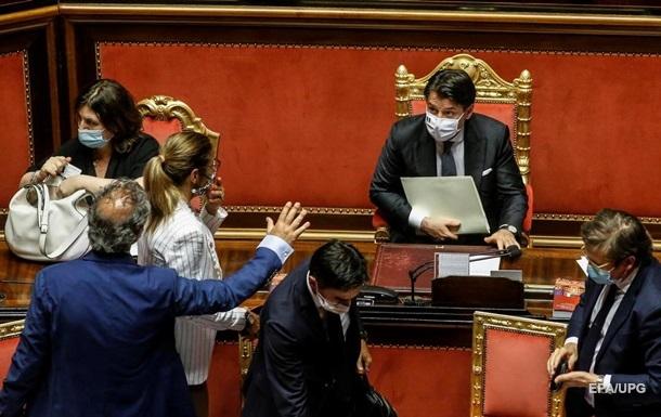 В Италии продлили чрезвычайное положение из-за пандемии