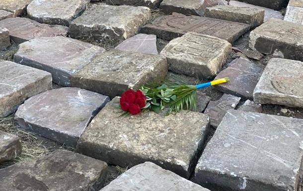 Надгробники як будматеріал: Як радянська влада знищувала поховання євреїв