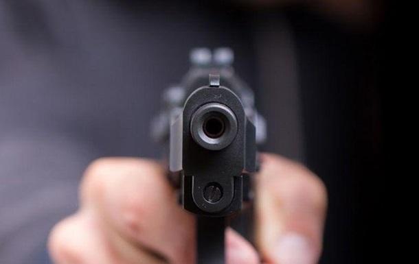 В Запорожье мужчина стрелял в полицейского
