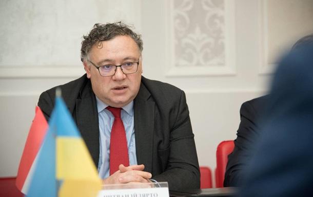 Венгрия не снимет вето с комиссии Украина-НАТО