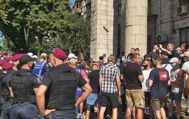 В Киеве произошли стычки на акции телеканала КРТ