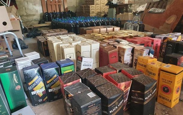 Под Киевом накрыли подпольный цех по изготовлению рома и виски