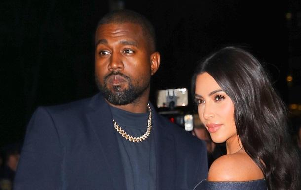 Schwer beleidigt: Kim Kardashian kehrte ohne Ehemann nach Hause zurück (Foto)