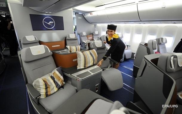Бортпровідниця пояснила, хто з пасажирів літака  більш цінний
