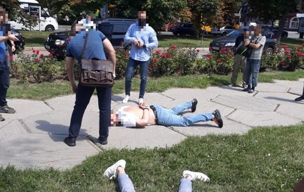 Следователь ГБР и полицейский попались на взятке в Полтаве