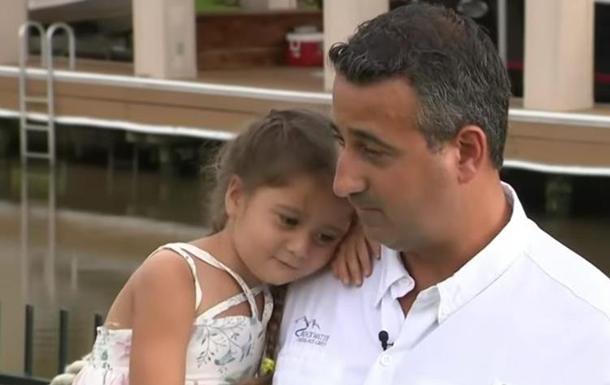 В США отец спас дочь от трехметрового аллигатора
