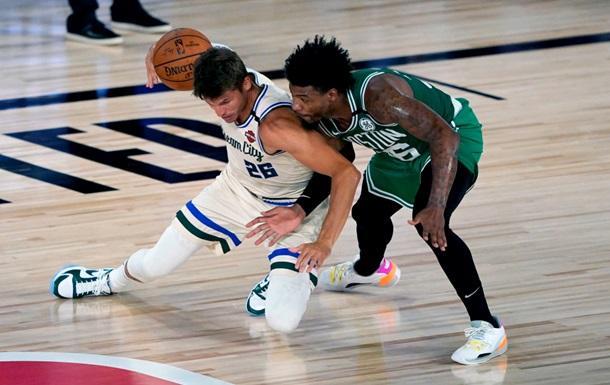 НБА: Милуоки одолел Бостон, Сакраменто уступил Сан-Антонио