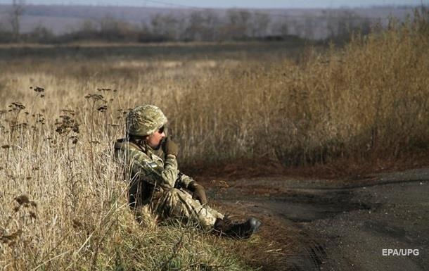 Перемирие на Донбассе: четыре обстрела в сутки