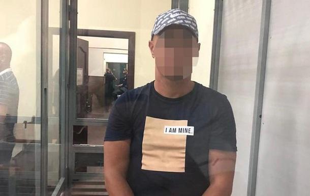 Суд арестовал подозреваемого в нападении на женщину в поезде Укрзализныци