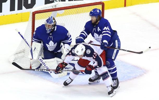 НХЛ: Коламбус обыграл Торонто в квалификации, Бостон обыграл Филадельфию в круговом турнире