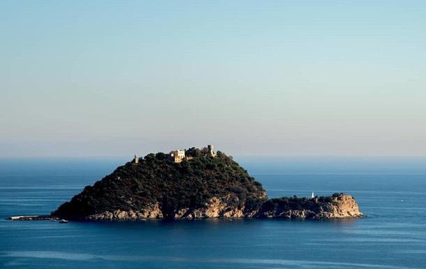 Сын экс-владельца Мотор Сич купил остров в Италии за €10 млн