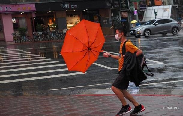Тайфун Хагупит достиг Китая