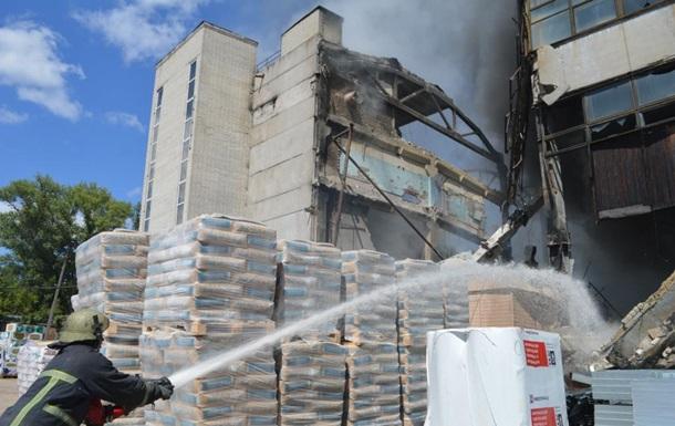 Пожар в трехэтажном доме в Чернигове ликвидирован
