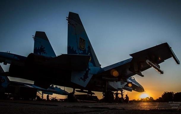 Военные летчики отработали ночные боевые полеты