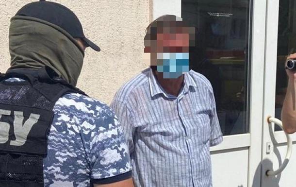 Київського чиновника затримали на хабарі 200 тисяч грн