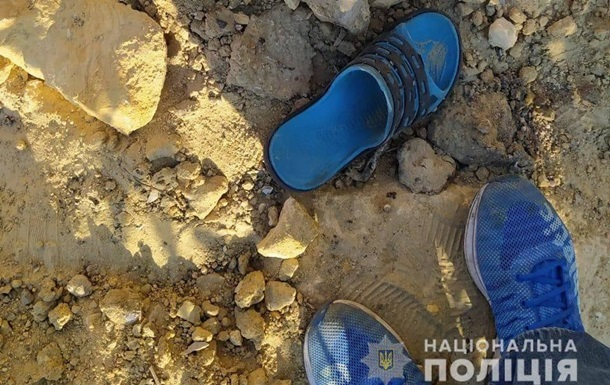 В карьере на Харьковщине подростка завалило песком: он погиб