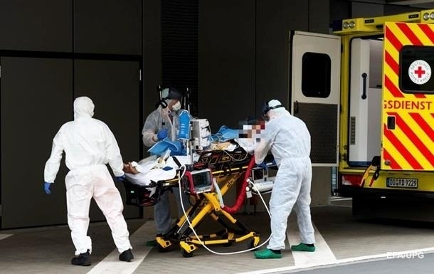 У Німеччині та Франції стрімко зростає кількість хворих на COVID