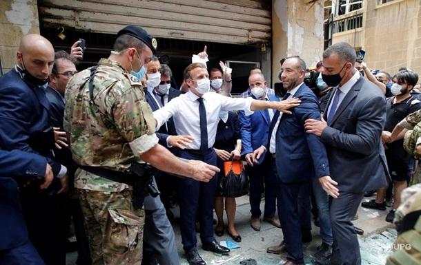 В Бейруте люди обвиняют президента в терроризме