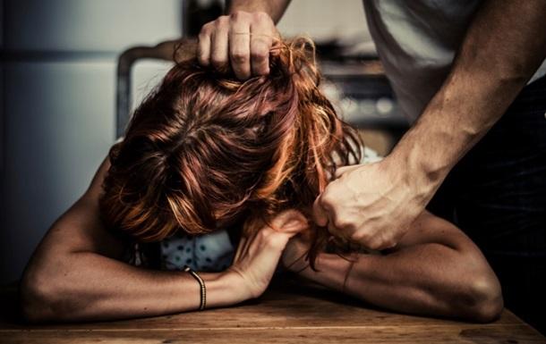 В Украине резко выросло число обращений в полицию из-за домашнего насилия