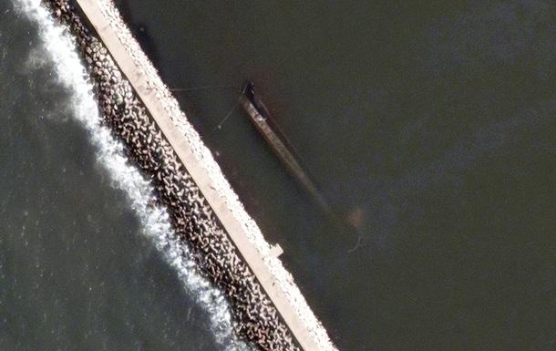 Привезшее в Бейрут селитру судно затонуло в порту - СМИ