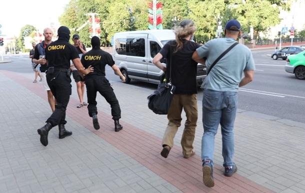 У Білорусі тривають затримання - відео