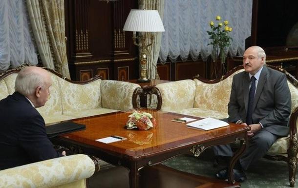 Лукашенко вважає, що вибори пройшли, як свято