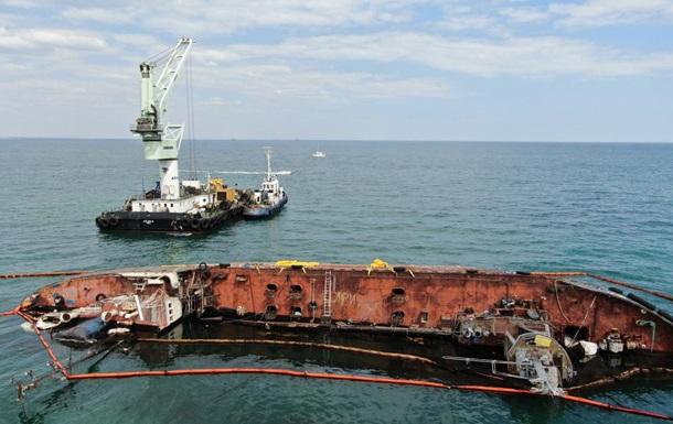 В Одесі знову спробують підняти танкер