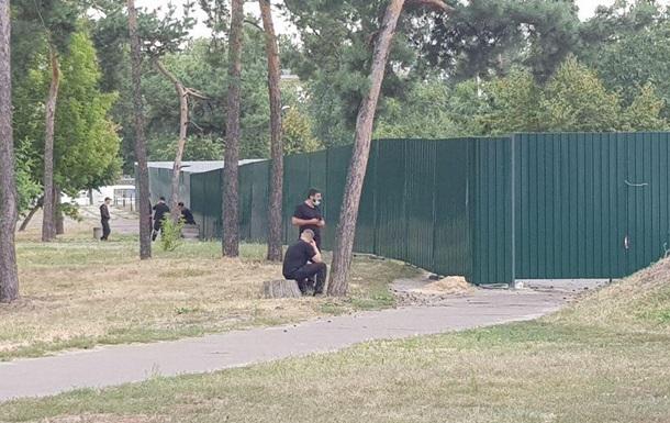 У парку Малишка Києва почали будувати житловий дім